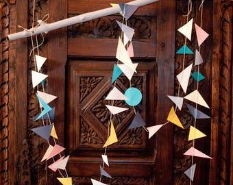 Guirlandesde paper geometric style