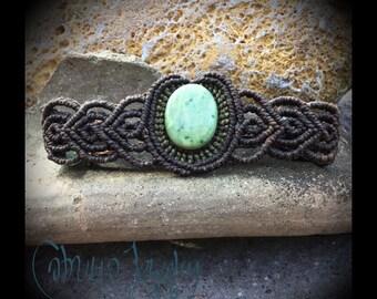 Handmade macrame bracelet with jade stone