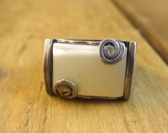 Vintage Mother Of Pearl Sterling Silver Ring Southwest Size 8 Artisan Native American Handmade 4.2 Grams