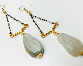 Light green agate earrings