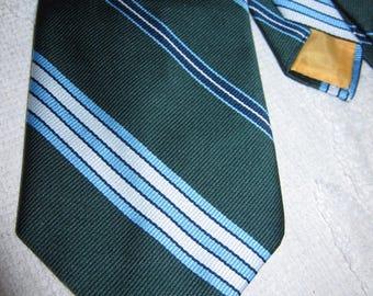 Vintage Oscar de la Renta green, blue, & white diagonal stripe wide polyester tie