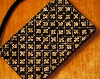 Vintage gold threads velvet clutch