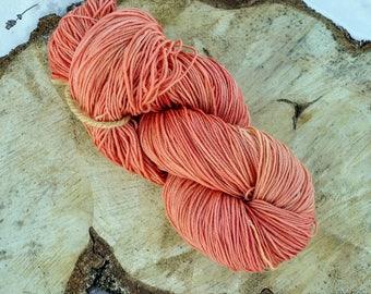 Plant dyed merino superwash sock wool, madder root, rubia tinctorum, 4-ply, 100g