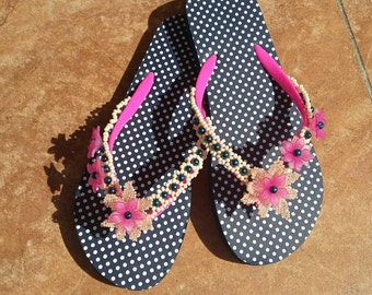 Bride Flip Flops - Pearl Flip Flops - Bridal Flip Flops - Wedding Sandals - Bridal Sandals - Bride Beach Shoes