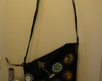 Handbag made of linen, self-stitched decorated with dotpainting and nespresso capsules