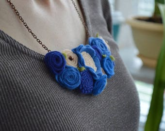 Felt necklace Bib necklace statement Flower statement necklace Unique Necklace for sister jewelry store, New Grandma gift Grandma necklace