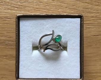 18k Palladium White Gold Nesting Rings, with Emerald