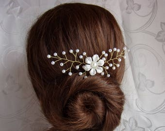 Bridal headpiece with pearl beads and acrylic flower/Bridal hair pin/Pearl beads hair stick/Wedding hair accessory