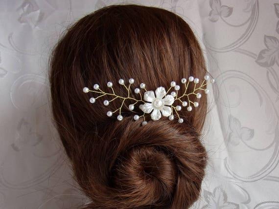pic cheveux pour mariage avec perles barrette fa on vigne de. Black Bedroom Furniture Sets. Home Design Ideas