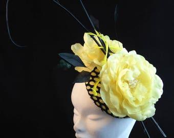 Lemon Color Fascinator / Lemon Flower Fascinator / Lemon Headpiece / Lemon Color Flowers / Lemon and Black Headpiece