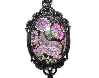 """Stunning Victorian Cameo Style Paisley 24"""" Necklace"""