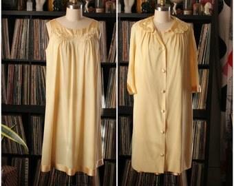 butter yellow peignoir set . vintage nylon nightie and robe by Gossard Artemis