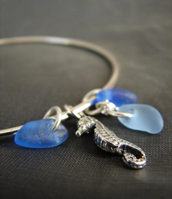 Little Seahorse sea glass bracelet in blue