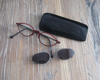 1995 LA Eyeworks Red Cat Eye Glasses with Clip On Sun Shades in Pouch