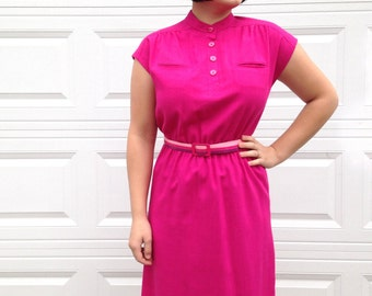 1970's Pink Cap Sleeve Dress with Rainbow Belt . Women's Plus Size . Collared Pockets Slit . Below the Knee .  Fuchsia Vivid 70's 1980s 80s