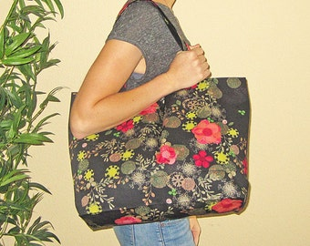 Japanese Modern Floral Design Grocery Market or Equipment Tote Black