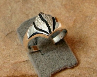 70% OFF Going Out of Business Sale.. Sterling Silver Ring- size 5.5
