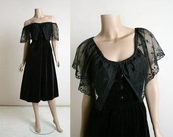 Vintage Black Velvet Dress - 1970s Off Shoulder Lace Gothic Romantic Dress - Knee Length - Whimsical Floral Lace - Goth Style - Small Medium