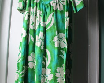 1960s Hawaiian barkcloth sundress / 60s green and white dress / Made in Hawaii green dress