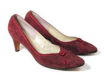 70s Plum Suede Pumps 10 Slim, Saks Fifth Avenue Wine Pumps, 1970s Saks Suede Shoes, Vintage Fenton Last Pumps Size 10AAA Narrow