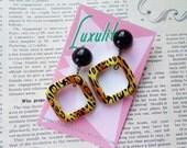 Rrrraarrr!  1950s style novelty bad girl leopard print drop hoop earrings by Luxulite