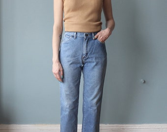high waisted jeans | vintage wrangler cropped jeans | 1980s small