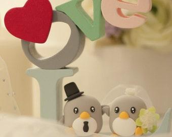 penguins bride and groom Wedding Cake Topper (K438)