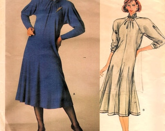 1980s Vogue 1451 Vintage Sewing Pattern Designer Jean Muir Misses Dress, Loose Fitting Dress, Pullover Dress Size 10 Bust 32-1/2