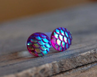 2g (6mm) Hot Pink Mermaid Tail Scale Plugs for stretched earlobes. Fish Scale Gauges 2g. 6mm acrylic plugs Dragons Egg