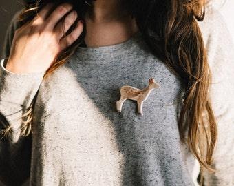Deer Handpainted ceramic brooch. Ceramic brooch, nature accessories, Little deer brooch, deer pin. Handmade clay brooch. Ceramic jelwelry