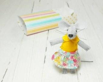 Cute stuffed animal mouse in a box felted animals stocking stuffer felt plushies farm animals Christmas gift yellow colorful floral