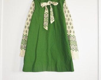 Vintage Green Girl's Long Sleeve Dress