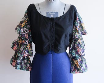Black cotton CROPPED 80s / 90s ruffle flounce boho festival shirt sz. Small / Medium
