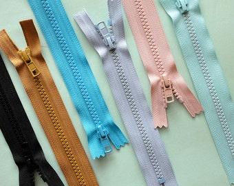 YKK closed bottom molded plastic zipper sampler lot // 6 PCS //
