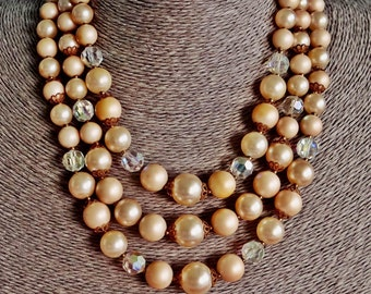 """LISNER signed Vintage gold tone 17"""" 4 strand beaded necklace with crystal accents in great condition"""