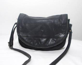 Small black leather bag. 80 leather bag. 70s purse. crossbody bag