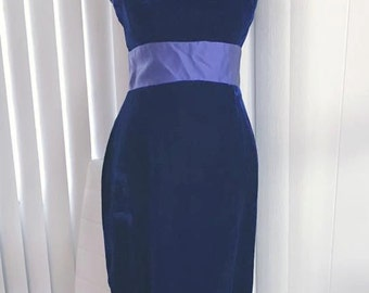 Sale Gorgeous Vintage Blue Velvet Evening Gown -- 1960's Glamor -- Size M
