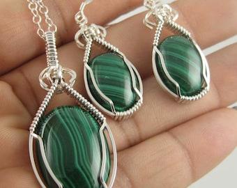 Malachite Necklace, Malachite Jewelry, gemstone necklace, Wire Wrapped Jewelry, Handmade Jewelry, Green Gemstone Necklace, Wire Wrapped