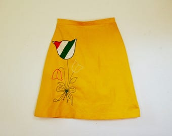 Size Small... Vintage 1960s 1970s Flower Skirt... Mini Skirt... Happy Yellow With Flower Pocket