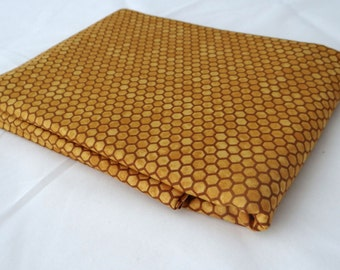 BEE CREATIVE 3 yds Moda fabric golden HONEYCOMB quilting sewing shabby yellow gold beehive Deb Strain 3 full yards 19757-13