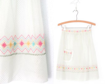 Vintage Skirt Apron * Embroidered Apron * Swiss Dot Hostess Apron * Embroidery * Ruffled Frill