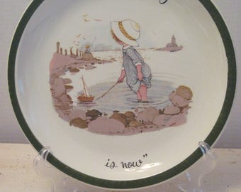 "Holly Hobbie Plate, 10"" American Greetings Collectors Edition"