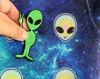 Alien shirt, alien tee, alien tshirt, friendly alien applique, alien patch peace sign galaxy shirt alien galaxy top size Junior S Junior M