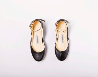 The Mary Janes Shoes in Black Leather | Pointe Style Shoes | Black Leather Ballet Flats | Classic Black