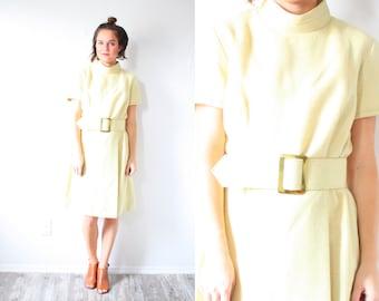 Vintage mustard yellow mod dress // modest dress // pale yellow dress // business dress // knee length maxi dress short sleeve summer yellow