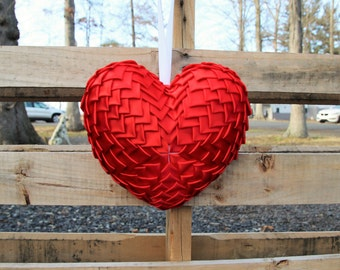 Red Valentines Day Heart Wreath, Valentines Day Gift for Her, Red Front Door Wreath, Red Heart, Red Heart Decor, Valentines Day Decoration