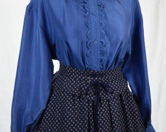 70s Periwinkle blue scalloped trim long sleeve silky blouse size M/L