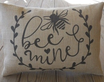 Bee Mine Burlap Pillow, Black and burlap, Modern wedding gift,  bridal, Valentine's Day,  INSERT INCLUDED