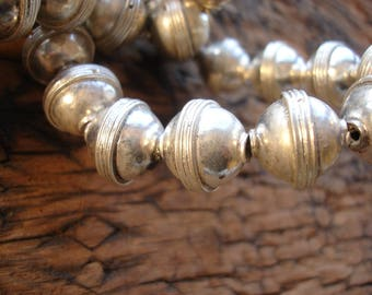 Moroccan  tarnished shiny small plain round bead