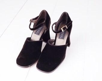 Vintage Charlotte Halton Brown Velvet Heels, Made in Spain, Womens 6 / ITEM296